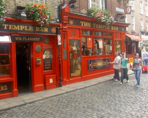 Pub_Temple_Bar_-_Dublin sale scuola viaggi